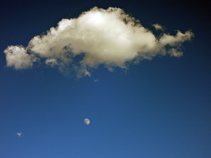 cloud and moon over zanskar