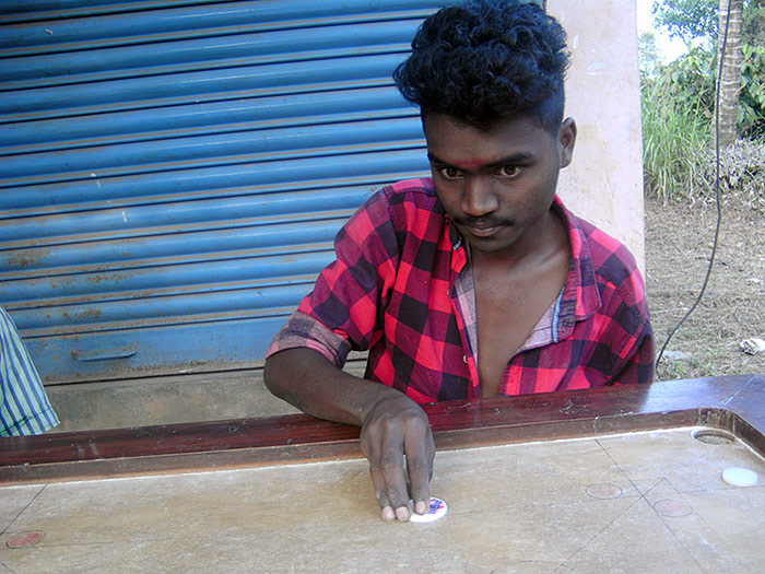 Carrom Player Kerala Kamerakidz
