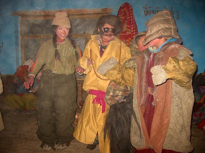 girls doing drama in Zanskar