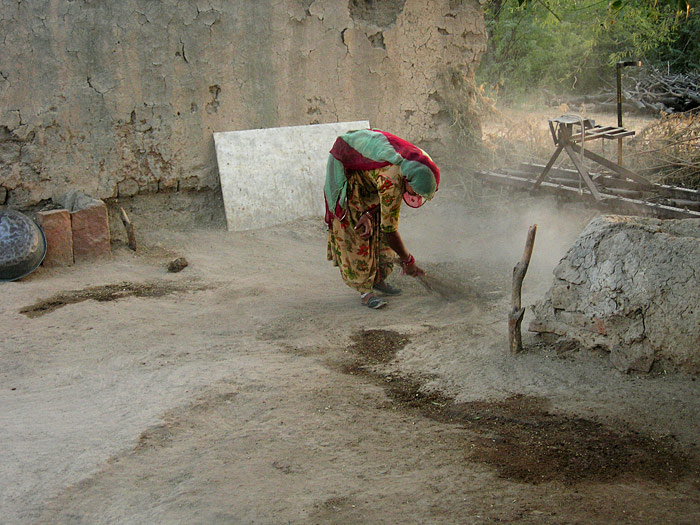 Sweeping in Chandelao/Rajasthan