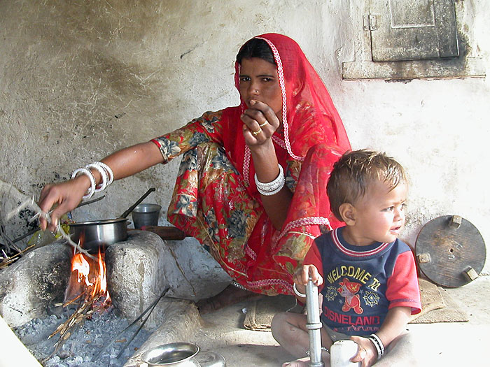 woman cooking in rajasthan