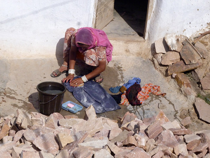 doing laundry in Chandelao/Rajasthan