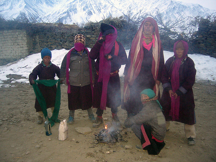 boys at the fire at loser in Zanskar