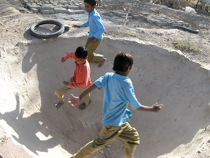 boys playing in Chandelao/Rajasthan