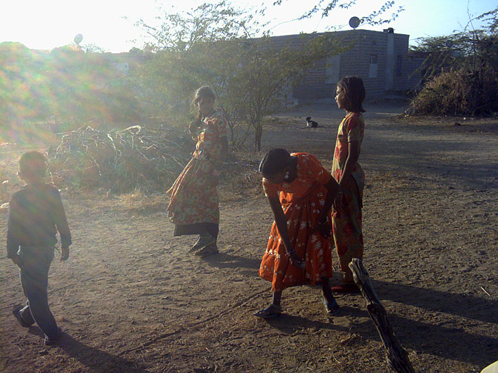 playing girls in Rajasthan