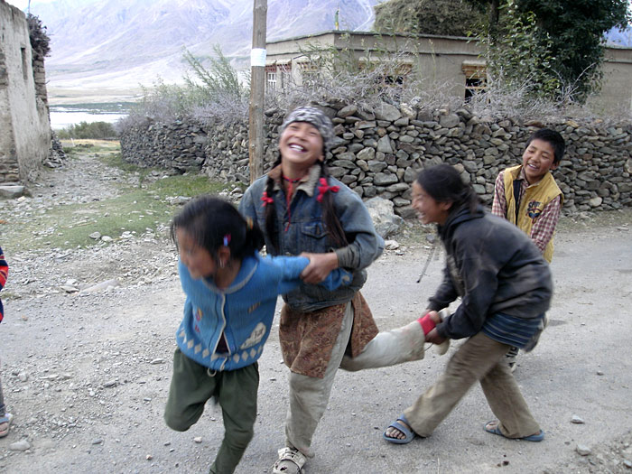 playing children in Zanskar