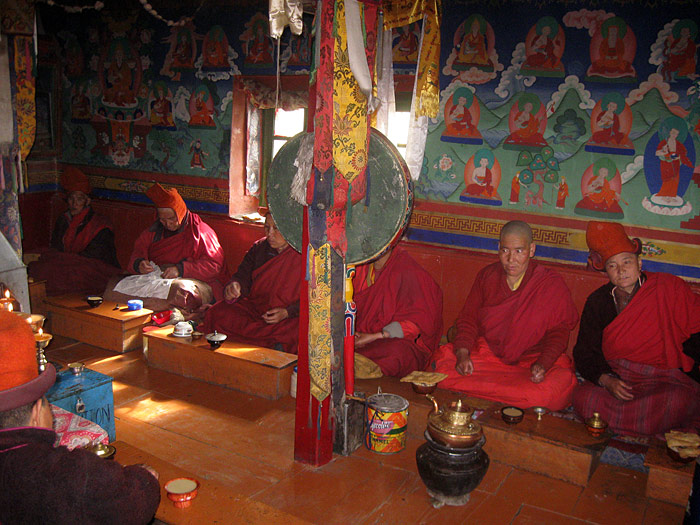 nuns doing puja in Zanskar