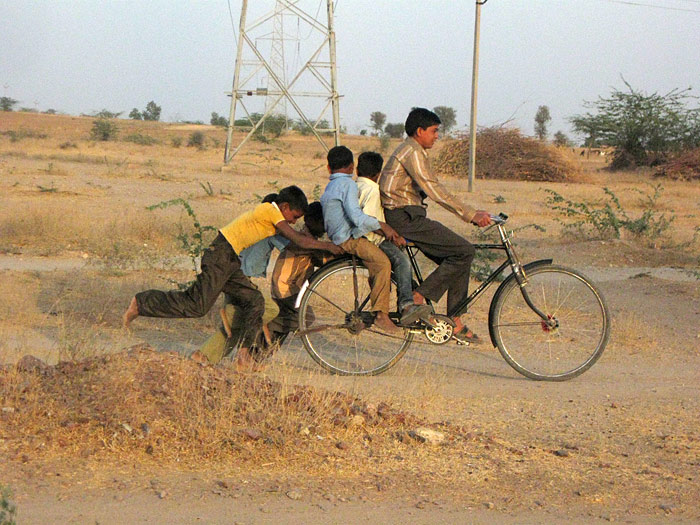 bicycle children in Rajasthan